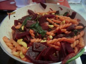 Rote Beete-Spinatpasta1